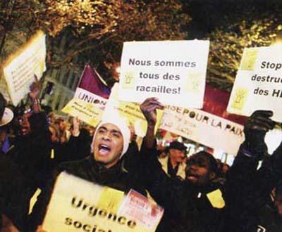Occidentalii e tampiti!!! Paris-riots-2